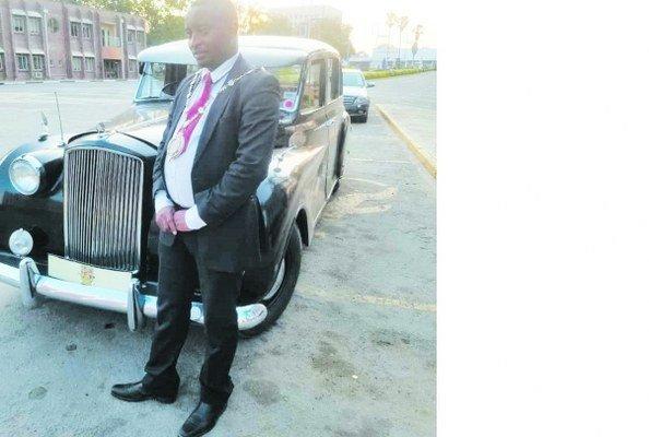 Masvingo mayor Collen Maboke